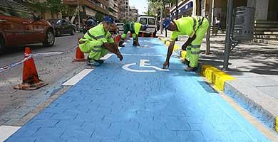 Apamex aplaude la multa de 200 euros por aparcar en plazas de discapacitados
